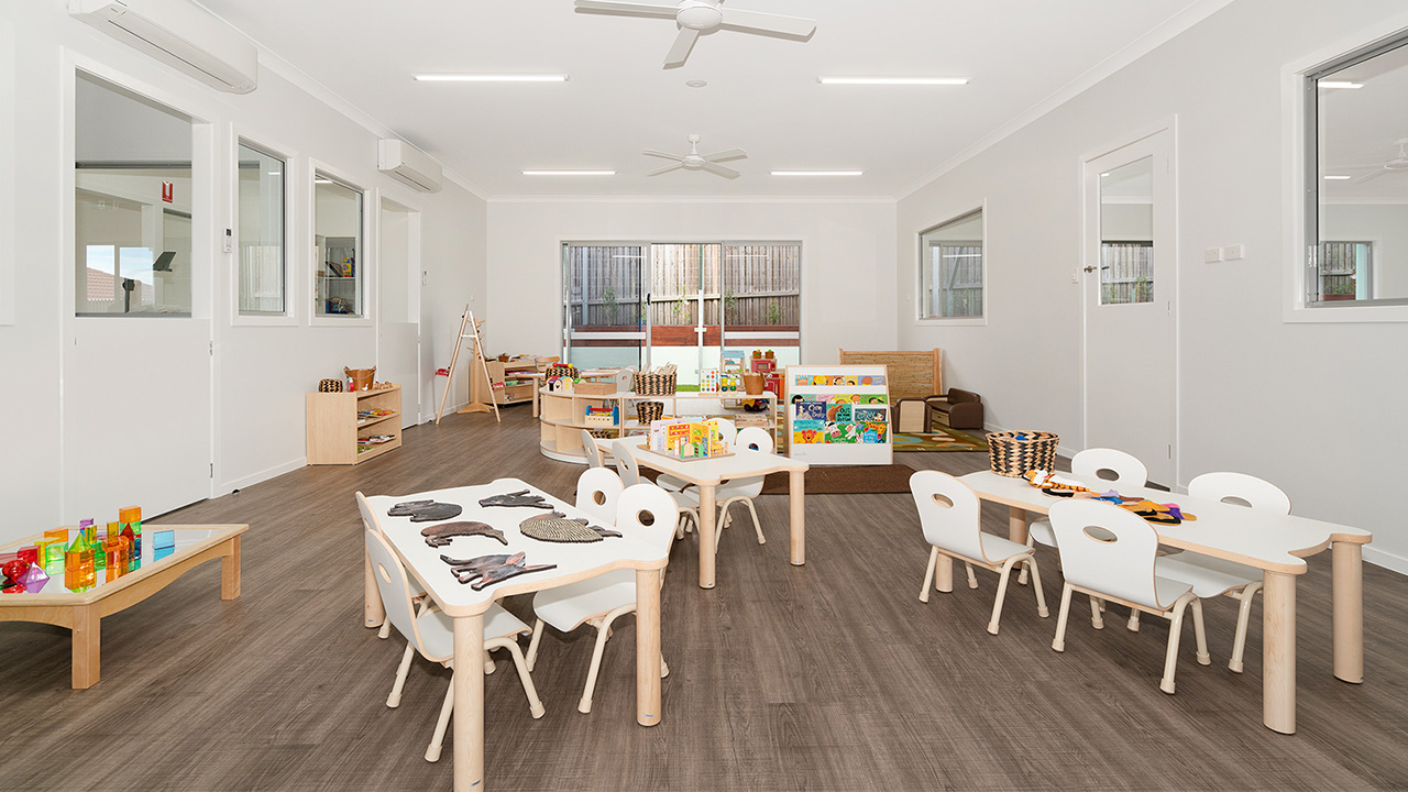 Juniors-Room-Ormeau-Elm-Tree-Early-Learning-4